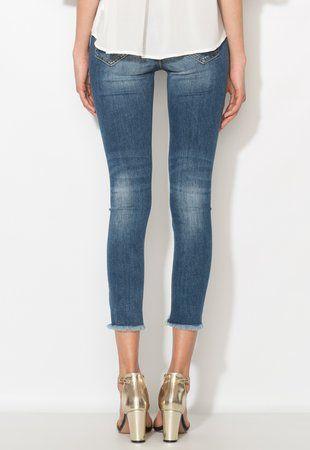 Jeansi crop albastri cu terminatii franjurate dama ieftini #pantaloni #jeansi #BlugiDama