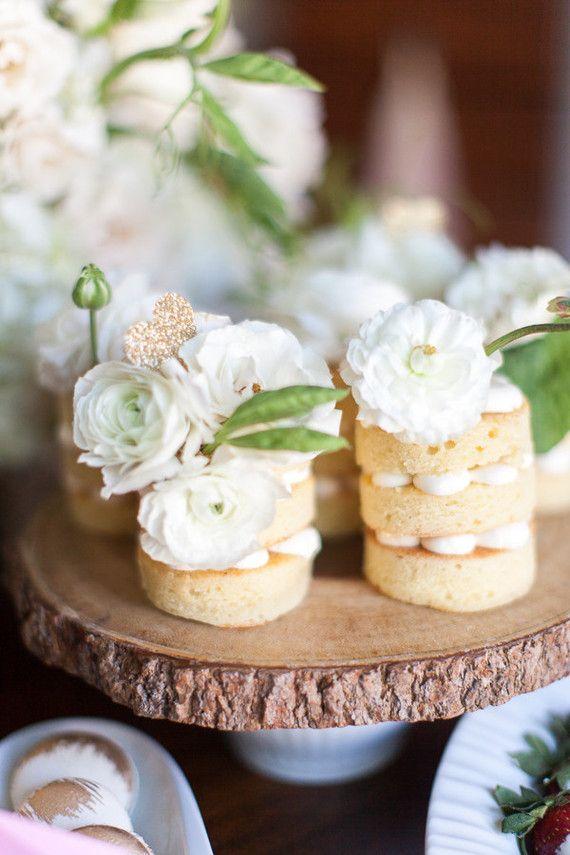 White tiny naked cakes - Wedding Table Desserts