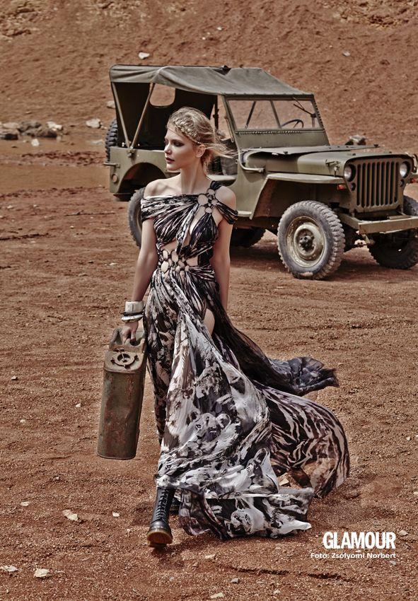 Egy kis lebbenő Afrika feeling. A touch of Africa. That dress is an awsome summer choice!
