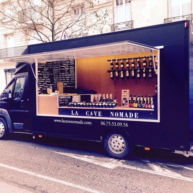 """Après les """"Food Trucks"""", les """"camions à vins"""" ont le vent en poupe ! Imaginée par un jeune Rémois, « La Cave Nomade » propose une nouvelle manière d'acheter du vin sur les marchés. Zoom."""