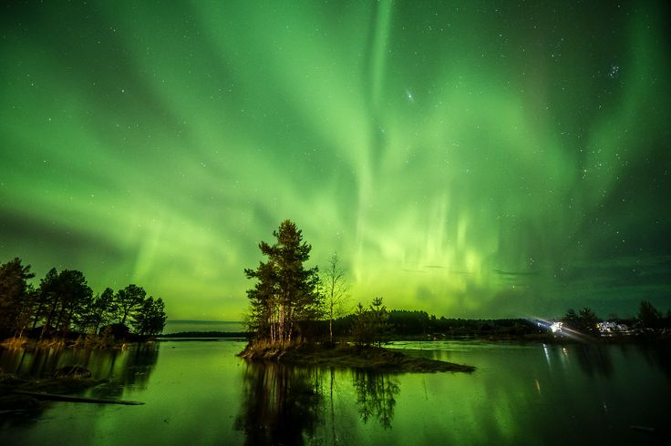 Karelia is a region in the Russian Far North, where winter lasts for almost 6 months and in December the sun barely rises above the horizon. But in this kingdom of cold and darkness there is a something that brightens the world — the magnificent aurora borealis