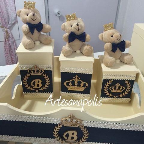 Ursinhos do Bernardo #bebe #quartodebebe #farmacinha #kithigienico #maedemenino #maedeprincipe #atelie #principe #ursoprincipe #ursinhodepelucia
