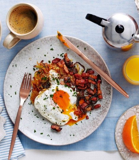 emmental-and-onion-rosti-with-fried-egg