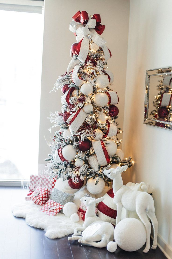 White christmas tree with red decorations - Beautiful Red And White Christmas Tree