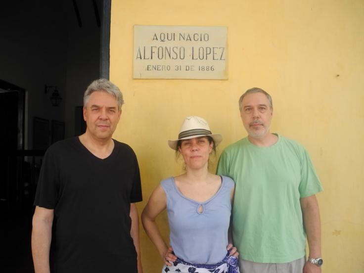 Sus nietos Pedro, Maria Consuelo y Rodrigo Lopez Serrano