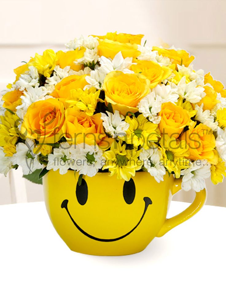 Gift a smile that shines throughout the day. #yellowroses #daisies #gifts #mother's #day