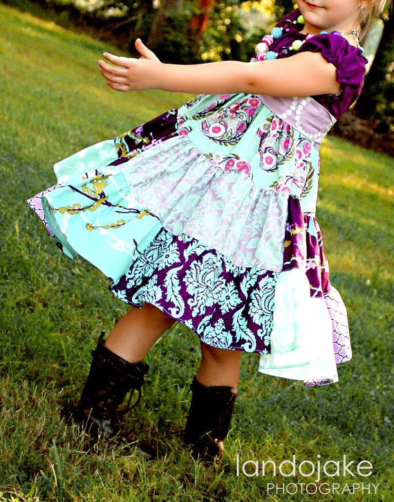 adorable dress, love the colors