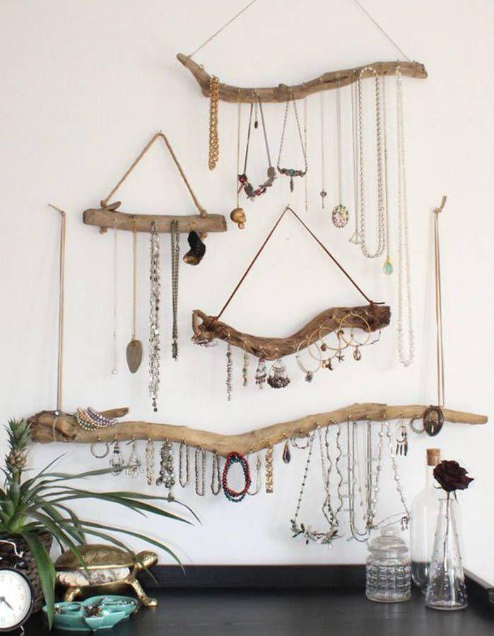 Créer des rangements à bijoux via du bois flotté et de la ficelle