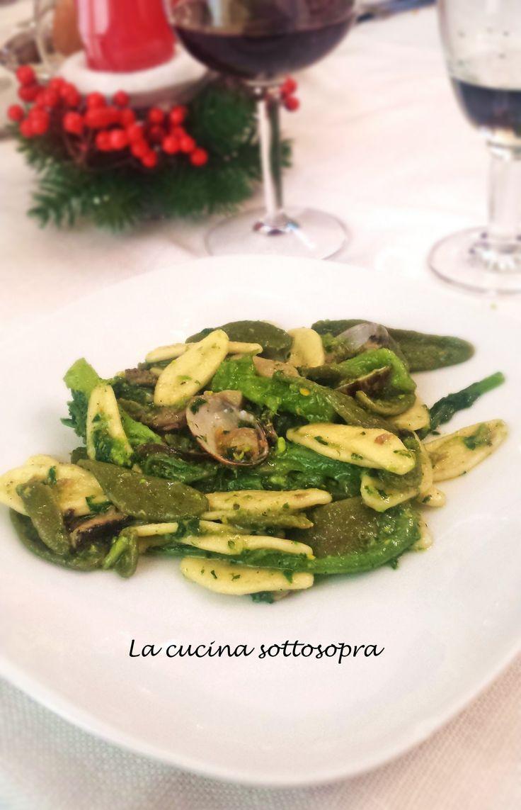 Pasta+foglie+d'ulivo+con+cime+di+rape,+funghi+e+vongole
