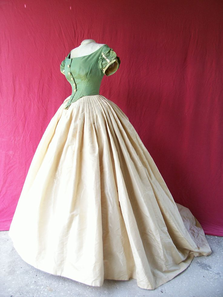 Ball Gown c.1864-1866, House of Worth. Looks like the inspiration for Disney's Snow White gown.