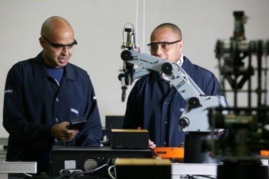 Canadauence TV: Senai abre 42 vagas gratuitas em cursos técnicos e...