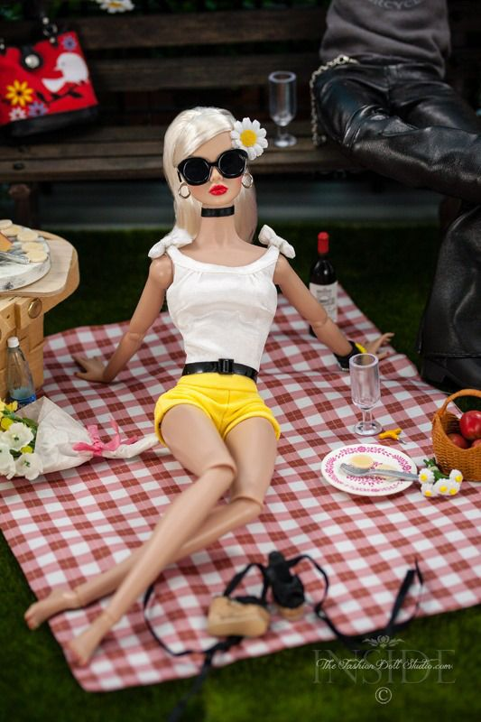 Ooh La La | Poppy Parker | ©2016 Inside The Fashion Doll Studio - A Picnic in…