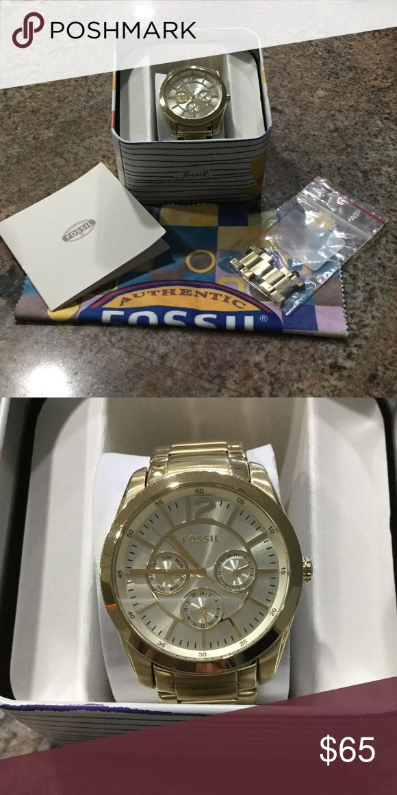 Fossil Gold Watch Brand new gold fossil watch. Original box, cleaning cloth, and links. Excellent condition. Worn once Fossil Accessories Watches