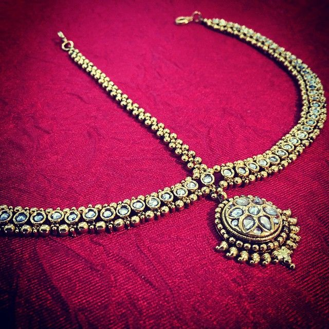 "96 Likes, 5 Comments - Bees (@shopbees) on Instagram: ""Classical simplicity - the matha patti has grown to become a headpiece that not only holds…"""