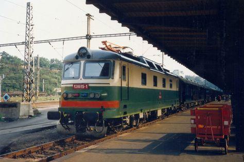 Locomotive 130.015 (for 3 kV DC only) in Praha HlN