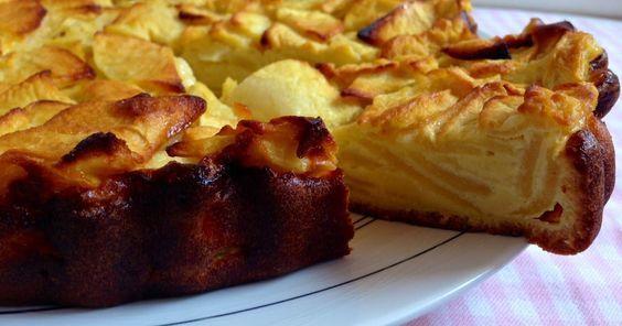 ¿Te apetece algo dulce pero estás a dieta? No te agobies: te contamos cómo hacer esta fácil tarta de manzana light.