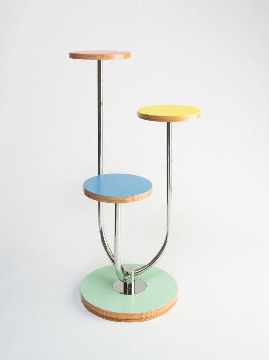 Láska na první pohled, která má své důvody: odkaz na český design 30. let a jedinečné barevné kombinace.                                                                                                                                 ...Stojan na kytky od OLLO garden