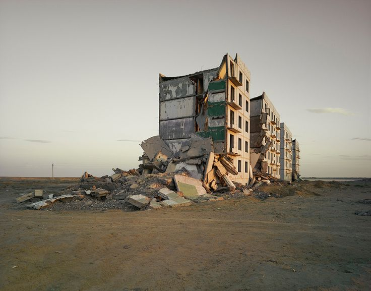 Photos: The Ruins of the USSR's Secret Nuclear Cities | The Aral Sea I (Officers Housing), Kazakhstan 2011  Nadav Kander / Courtesy Flowers Gallery  | WIRED.com