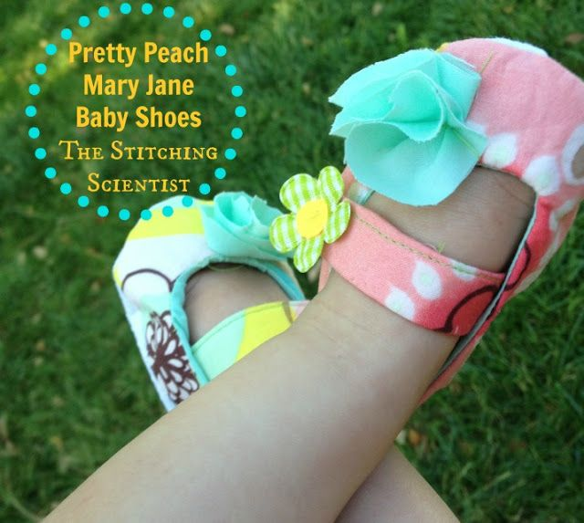 Free Pattern Baby Mary Jane Shoes #freesewingpattern