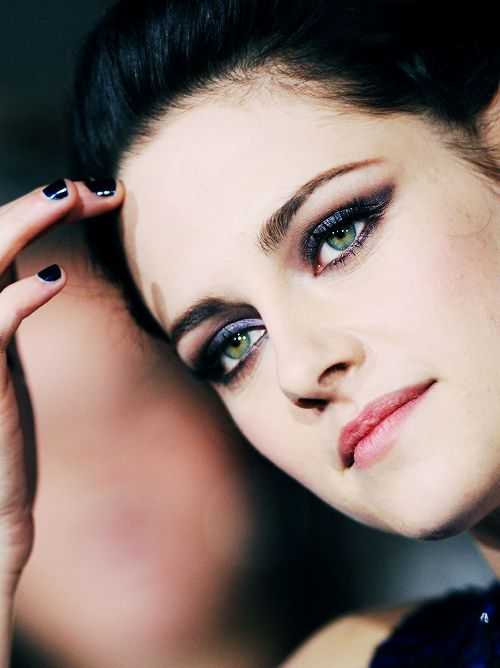 makeupbeautyMakeup Inspiration, Eye Makeup, Kristen Eye, Maquillaje Internet, Kristen Stewart, Celebrities Inspiration, Celebrities Makeup, Hair, Mindfulness Eye
