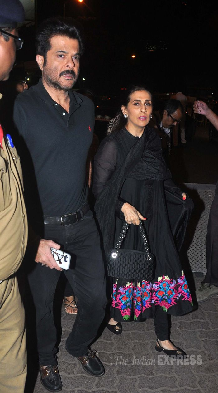 Anil Kapoor along with wife Sunita paid a visit to the famous Siddhivinayak Temple in Mumbai. #Bollywood #Fashion #Style #Handsome