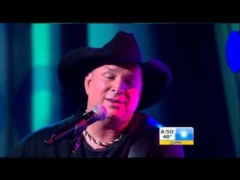 ▶ Garth Brooks - Mom - Live on Good Morning America 2014 - YouTube ... Grab the tissue ... so beautiful (check out Ghost Tunes comp by Garth)