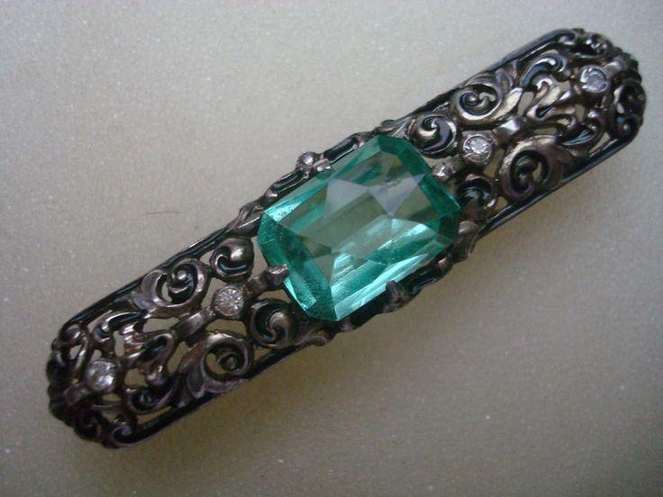 Klassische Brosche 935 Silber mit klaren + hellgrünem Stein Email Art Nachlass