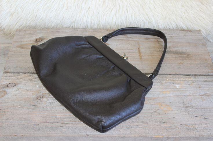 Vintage Handtaschen - Vintage Tasche Henkeltasche weiches Leder 60s - ein Designerstück von Manuelas-Allerlei-Shop bei DaWanda