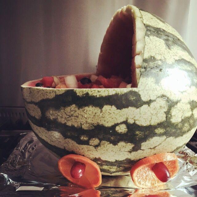 Kinderwagen van watermeloen voor babyshower.