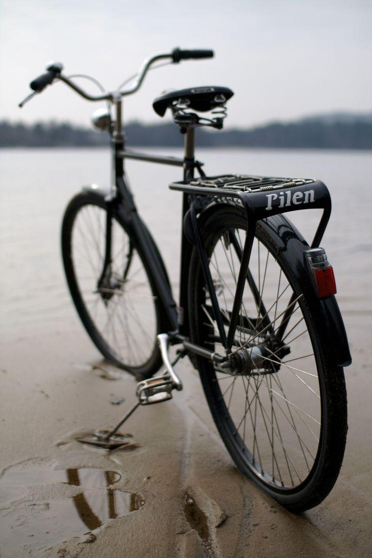 #pilen bicicleta clasica en la playa www.avantum.info/pilen