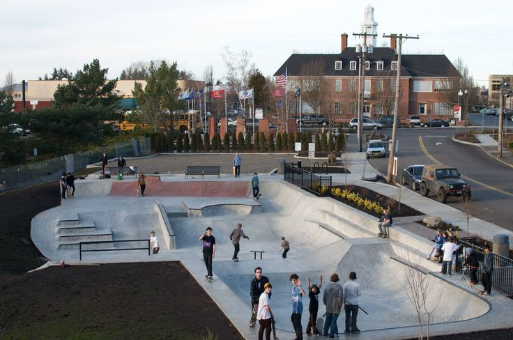 File:SkatePark in Main City Park, Gresham, Oregon.jpg - Wikimedia ...