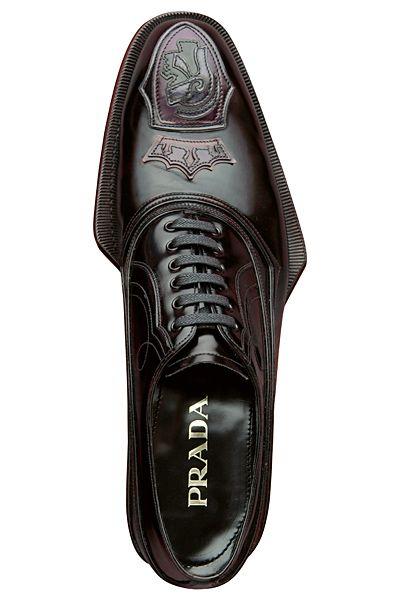Prada ( VIP Fashion Australia www.vipfashionaus... - international clothes shop )