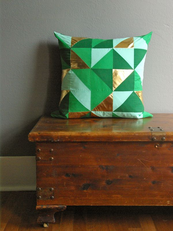 Oleander and Palm: Green and Gold Geometric Pillow quilted! Look at those metallics !