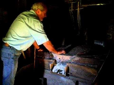 El molin de Valdedios, video de funcionamiento de un molino de agua  Casa Ines   Asturias tradiciones