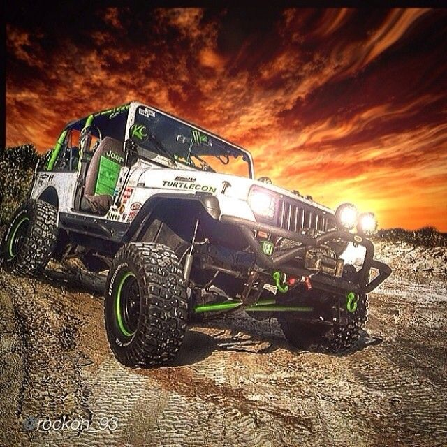 Another insanely amazing Edit by @rockon_93 of @travisjeep for edits like this !  Send him yours to do ! #jeepbeef Going beyond the Wave !! #Padgram
