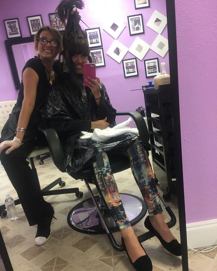 Disfrutando lo que más me gusta hacer, en este acogedor salon VIP para atenderlas por cita y dedicarle tiempo a cada una sin apuro ni presión. #cosmetology #cosmetologo #hairmiami #hairstyle #hairstyles #hairdresser #haircuts #colorista #makeup #makeupartist http://tipsrazzi.com/ipost/1505605107877637302/?code=BTk-95bD2y2