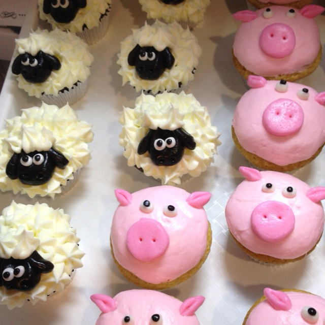 Pigs and Lamb cupcakes.