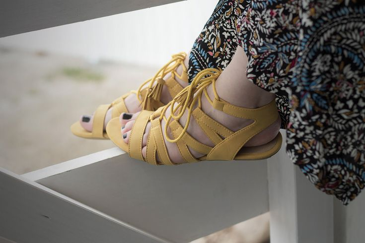 How wear a flower long dress #longdress #maxidress #blogger #look #outfit #dressingandtoppings #bohochic #folk #greek #summerlook #fashionblogger #santorini #style #fashion #summer #holiday #sea #shoes #sandals #yellow #mustard http://www.dressingandtoppings.com/2016/07/29/greek-mood-abito-lungo-floreale/