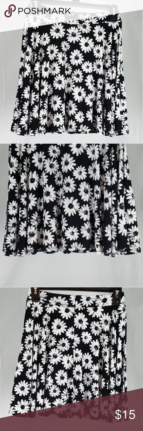 Authentic American Heritage Skater Skirt Black with White Daisy Flowers  Waist -... 2