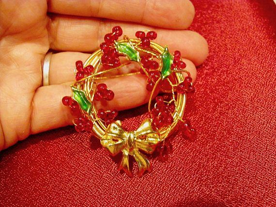 Unsigned Set of 2 Wreath Brooches Other with Red One with Green Rhinestones Gold Tone Metal Great for Holidays