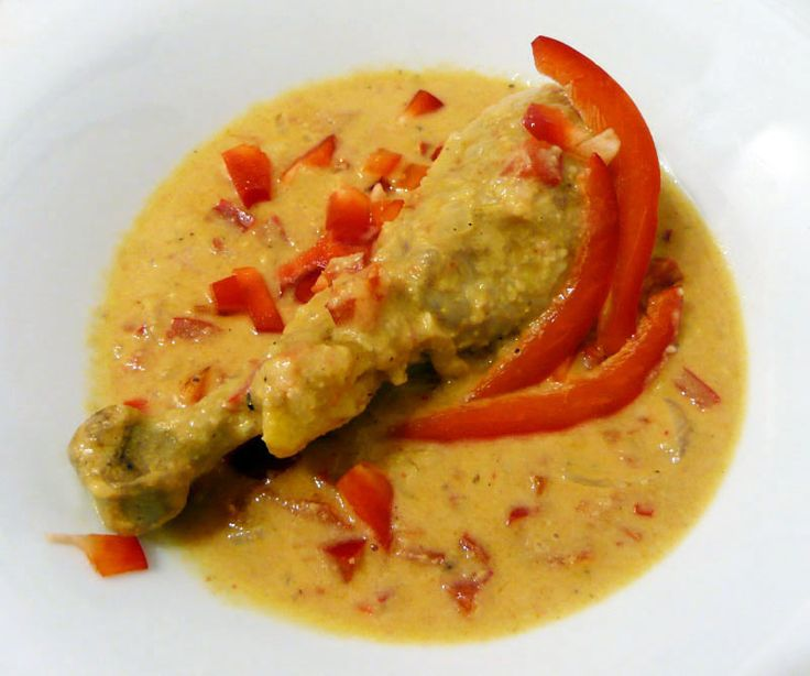 Hühnchen in Erdnusssoße – afrikanische Variante - Low Carb