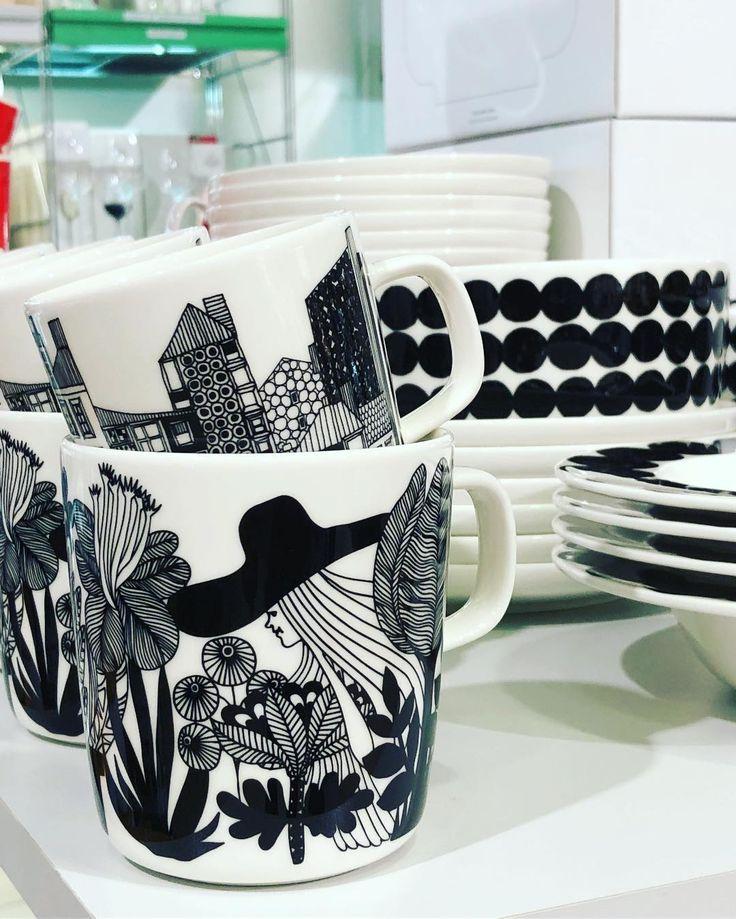 Guten Morgen! First: Coffee! Und bei windigem Wetter den Hut nicht vergessen! . #lotharjohn #lotharjohntischkultur #tischkulturdiewirlieben #tischkultur #marimekko #finnishdesign #nature #flowers #oiva #siirtolapuutarha #nordichome #scandinaviandesign #porzellan #porcelain #designlife #designideas #hannover #galerieluise #hannovermitte #hannoverlove #hannoverlife #hannovercity #hannoverliebt #hannoververliebt #lovehannover #ilovehannover #tophannover #hannoverlifestyle
