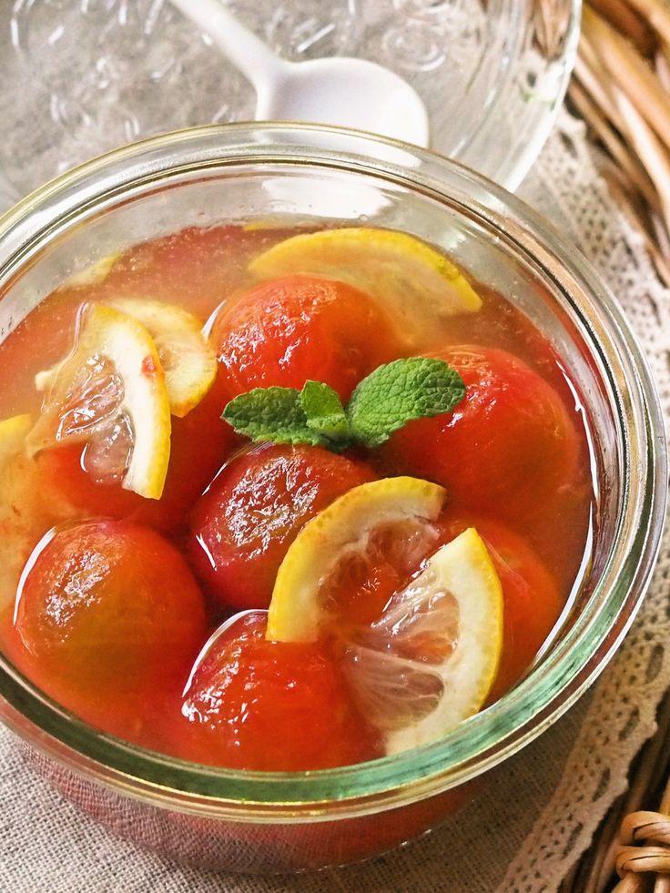 凍らせたトマトを蜂蜜とレモン汁に漬けるだけで…不思議!トマトが美味しいスイーツに大変身^^女性に嬉しい美肌デザートです♡