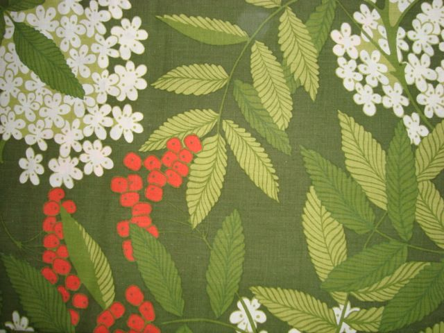 Retro Danish bed linen from the 70s. #trendyenser #retro #danish #bed #linen #1970 #70s #dansk #pudebetræk #sengetøj #sengelinned #betræk #sælges #forsale on www.TRENDYenser.com