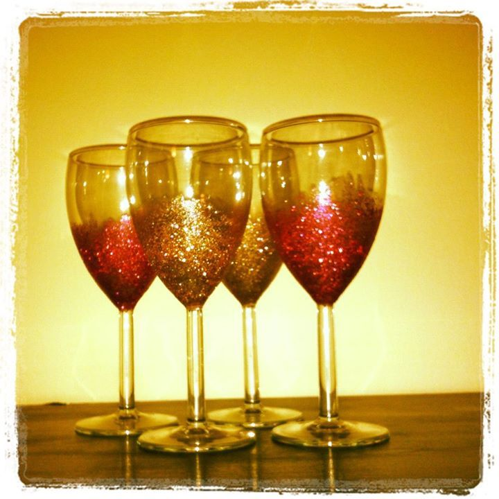 best ideas about wine clubs glitter wine glasses and club