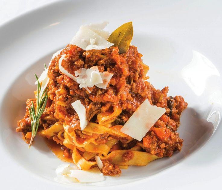 Best restaurants to dine at in Naples, Florida. Gulfshore Life magazine.