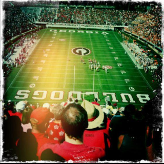 Football : Athens, GA