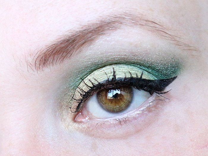 maquillage vert yeux marrons palette garden of eden sleek makeup brown eyes tutoriel fard a. Black Bedroom Furniture Sets. Home Design Ideas