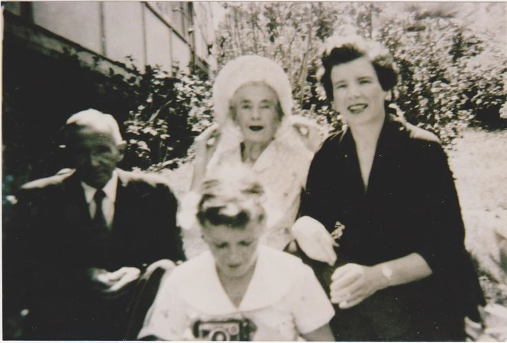 Thomas ( son Paddy & Annie) & Gertie Mathews with daughter Yvonne & Grand daughter Kerry. Lawson NSW.