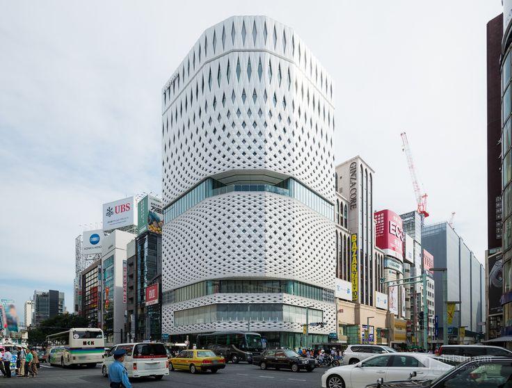 GINZA PLACE (銀座プレイス). / Designed : Klein Dytham architecture (外観デザインアーキテクト:クライン・ダイサム・アーキテクツ). /  Architect : Taisei Corporation (設計:大成建設).